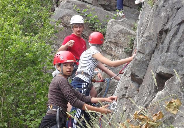 Klettersteig Ardennen : Via ferrata in de ardennen door rocks n rivers
